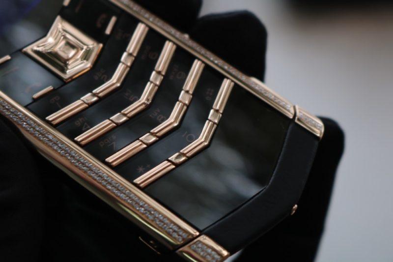 Vertu Signature S Rose Gold Diamond Skin 5