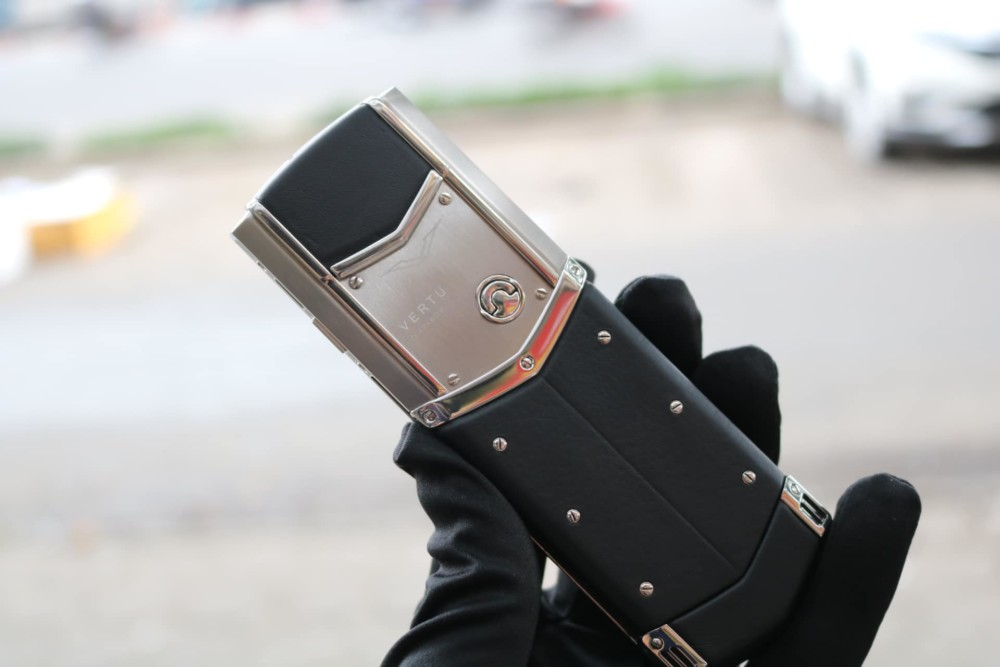 Vertu Signature S Steel 2