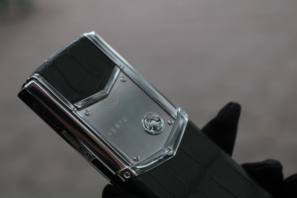 Vertu Signature S Steel Green Alligator 4