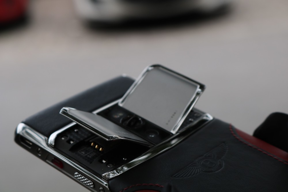 Vertu Signature Touch For Bentley New 8