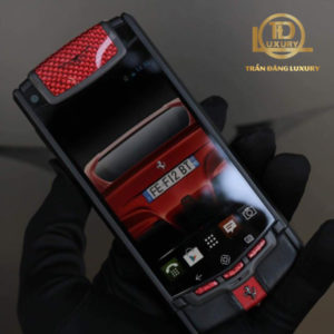 Vertu Touch Ti Red Black 2