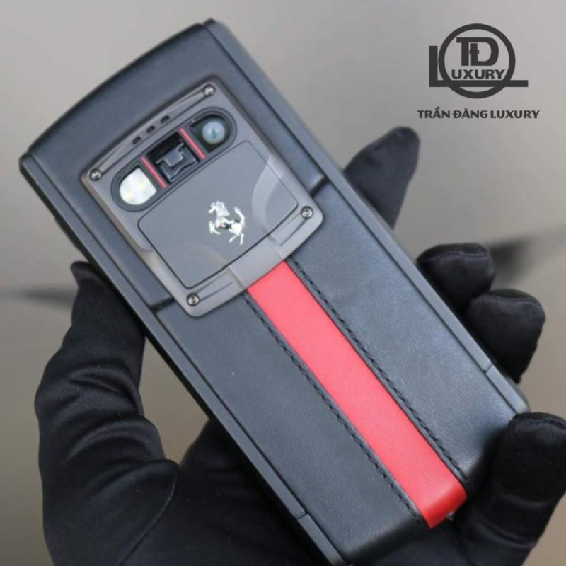 Vertu Touch Ti Red Black